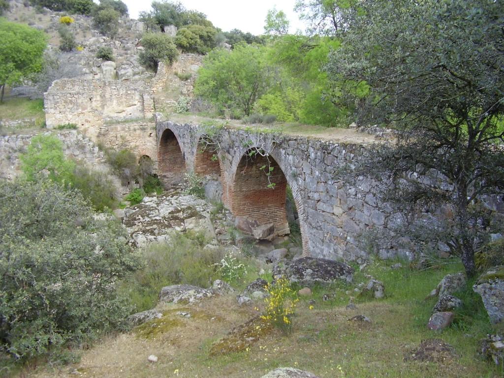 Restos del Batan de entrada a la Fortaleza
