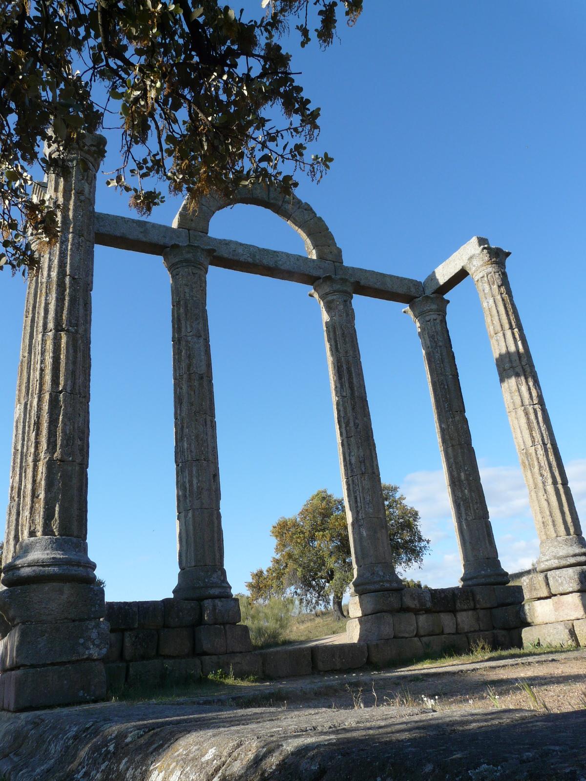 585. Austobriga 120409 – Templo 07