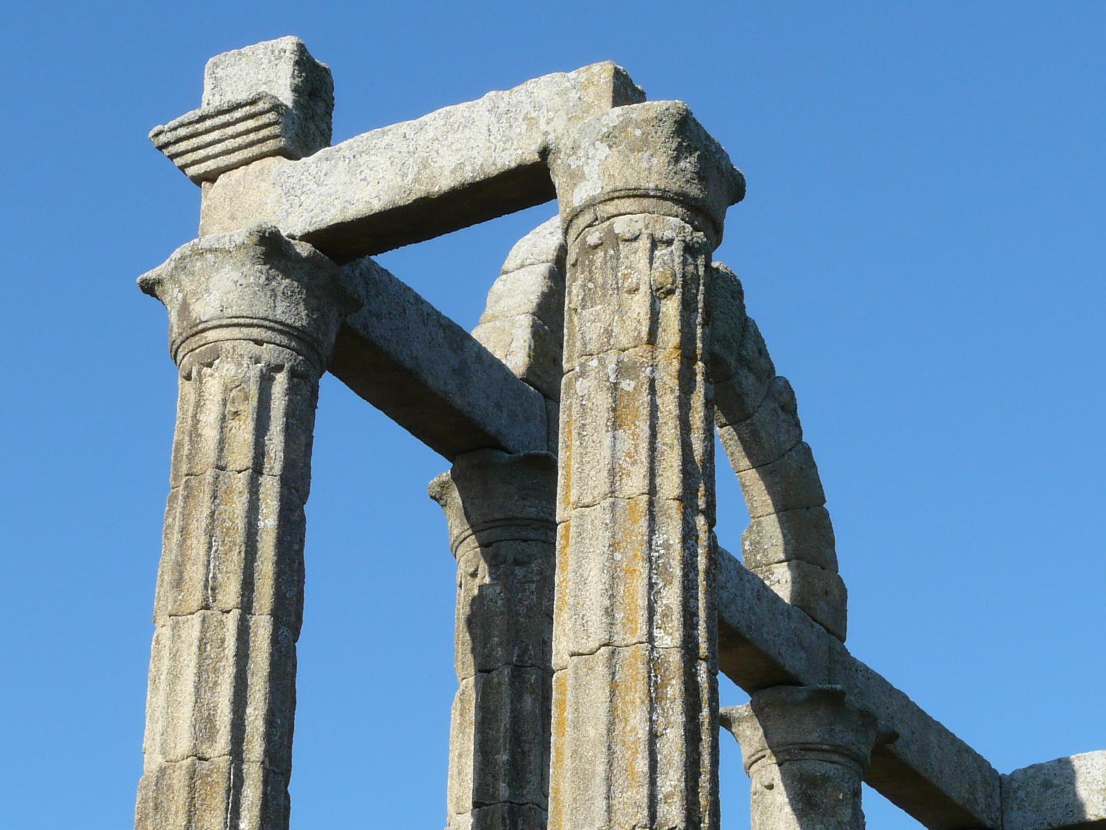 templo augustobriga caceres