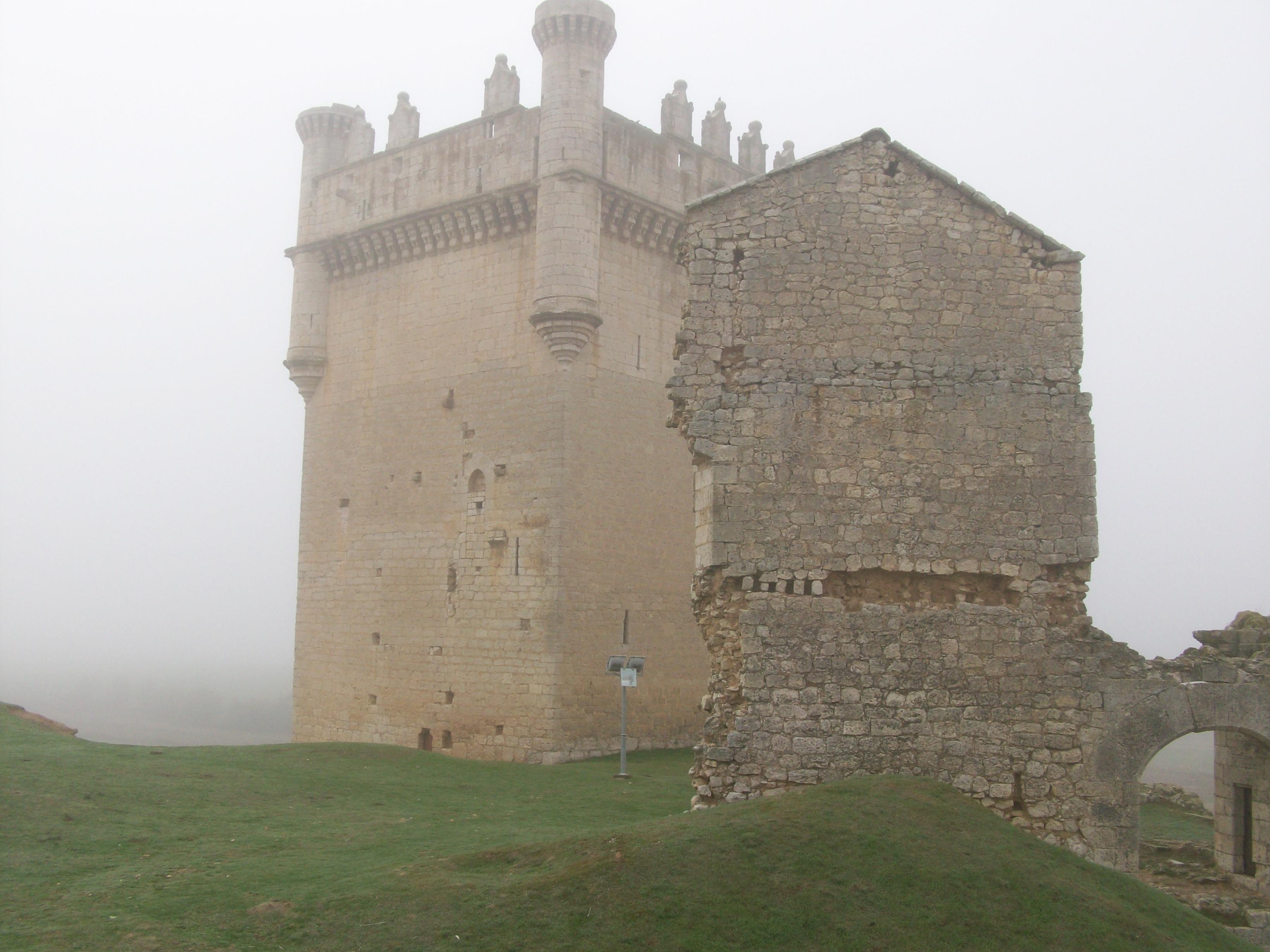 La pequeña Torre de la derecha se derrumbo el año pasado.