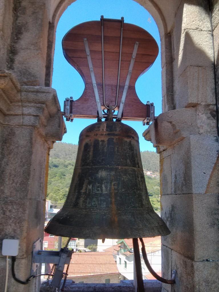campana san pedro muros