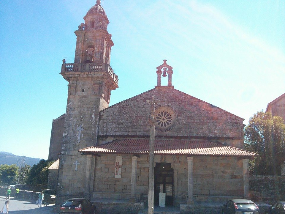Fachada principal de San Pedro de Muros