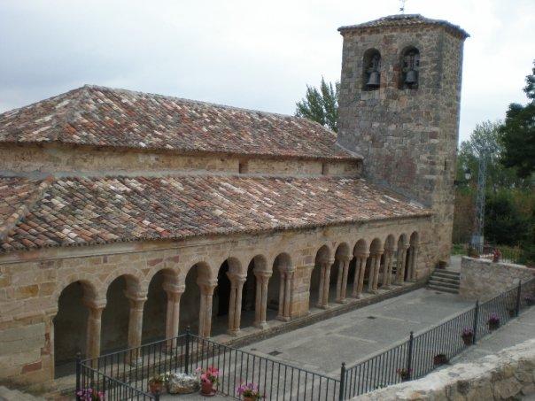 Pórtico de la Iglesia de Carabias