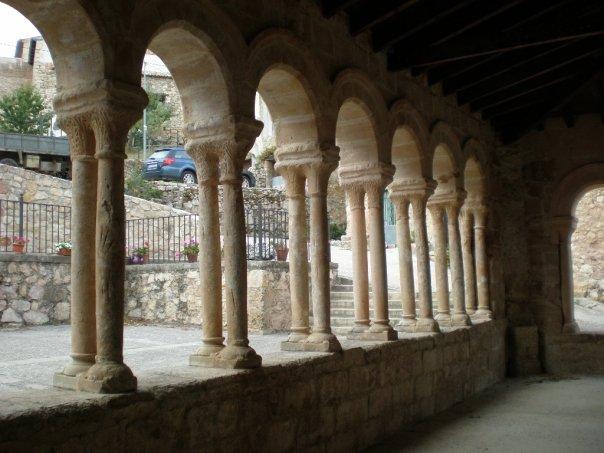 Portico de la Iglesia de Carabias