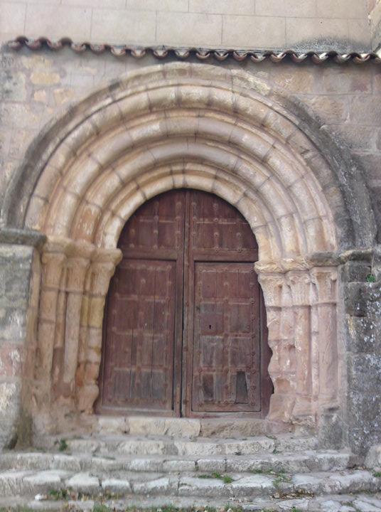 Portada de la Iglesia de Pozanco
