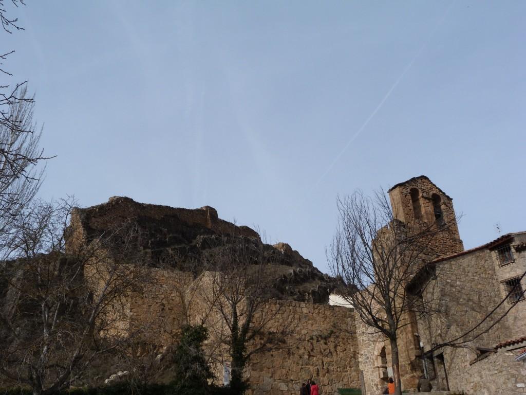 Castillo y muralla medieval de Cañete