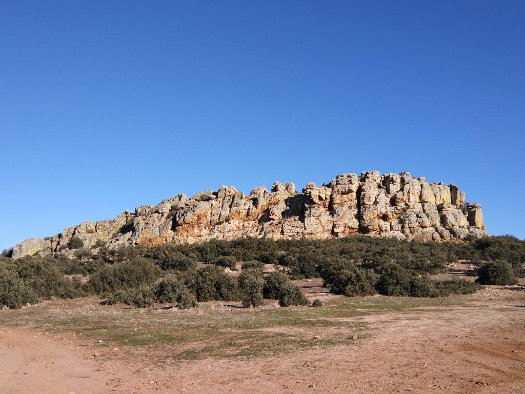 El Castillo de Dos Hermanas (Navahermosa, Toledo). – Otra Iberia